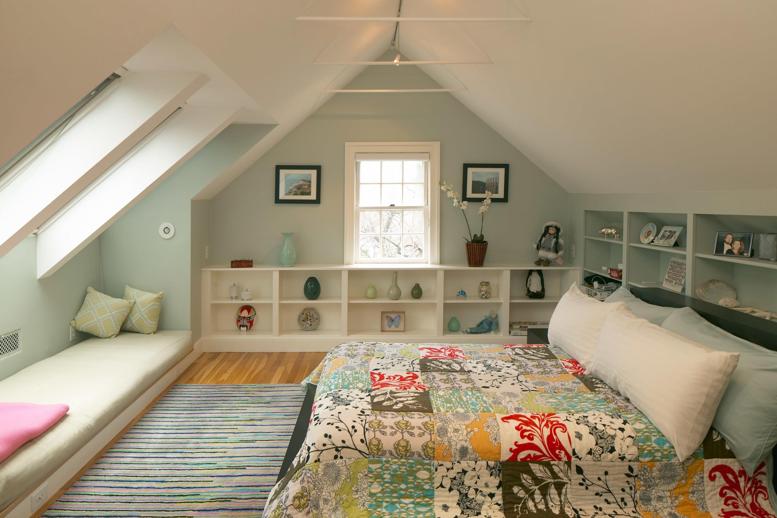 8_craigie_st_bedroom.jpg
