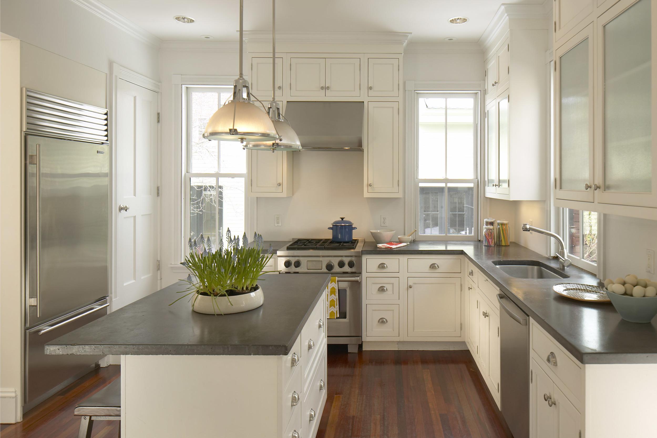 44_walker_st_kitchen.jpg