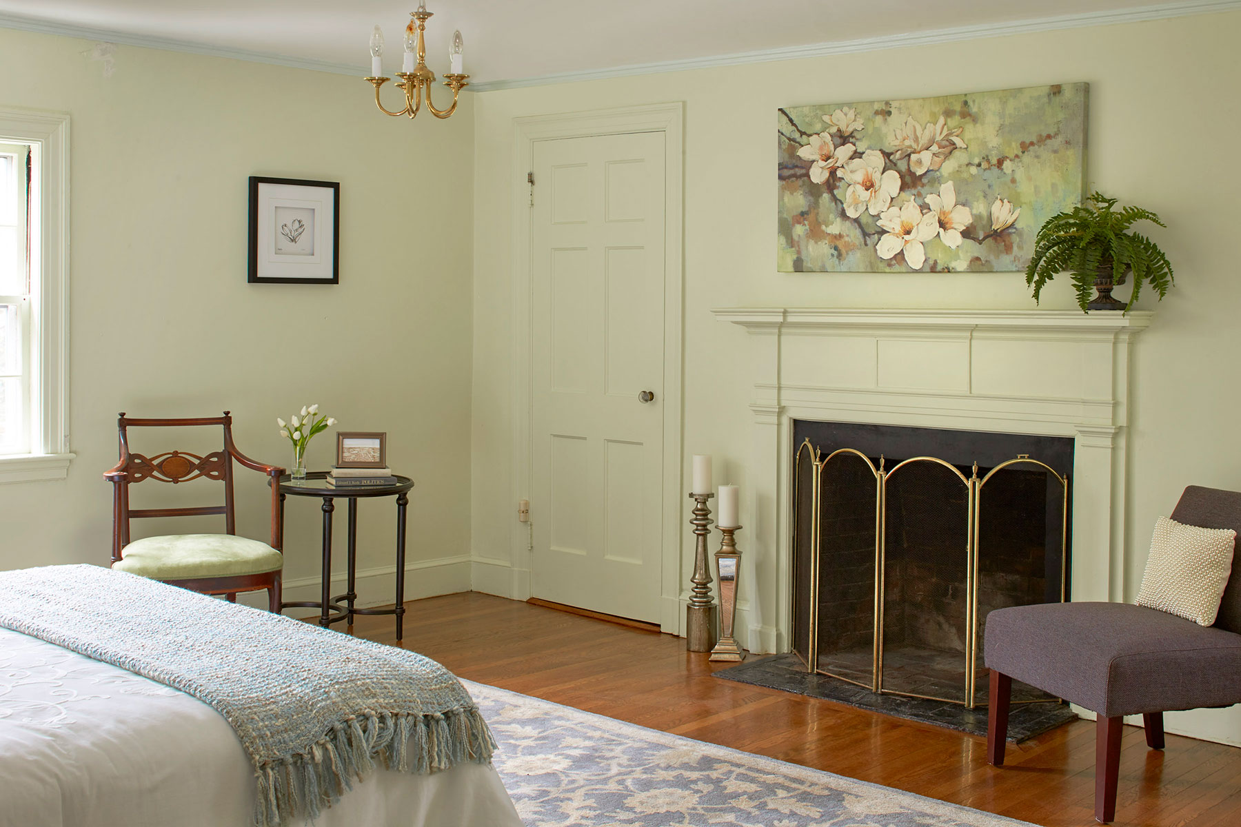 9---127_coolidge_hill_master_fireplace.jpg