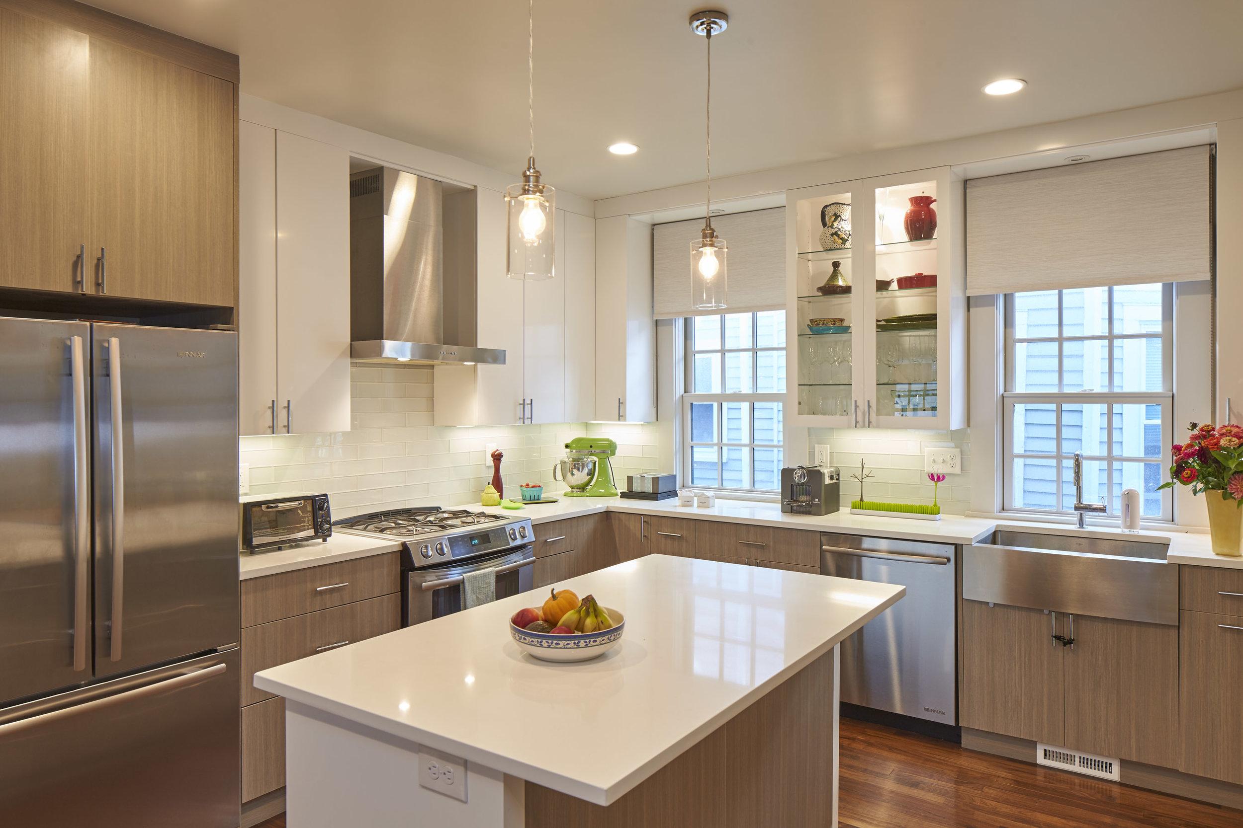 159_fayerweather_st_kitchen.jpg