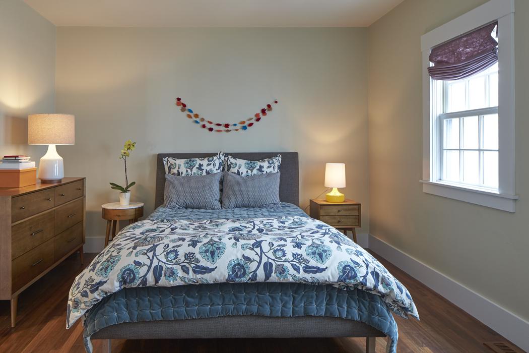 159_fayerweather_st_bedroom.jpeg