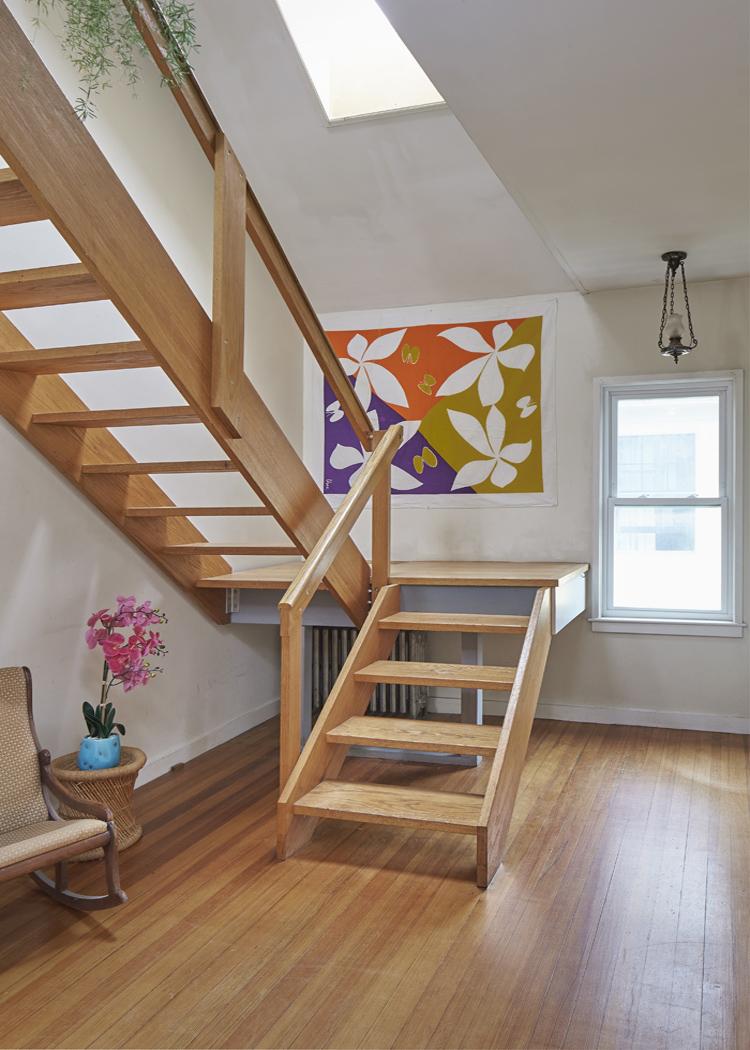 117_fayerweather_st_unit_2_stairs.jpg