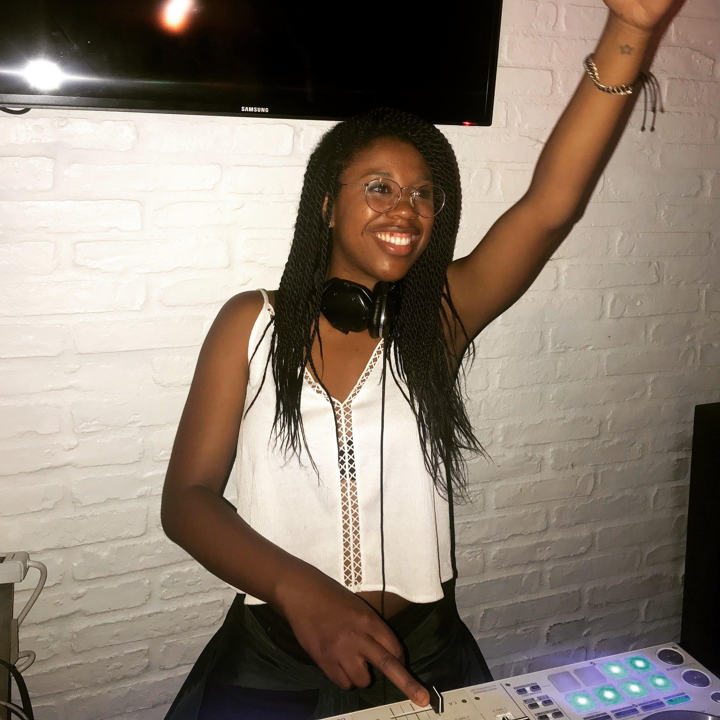 female DJ Los Angeles