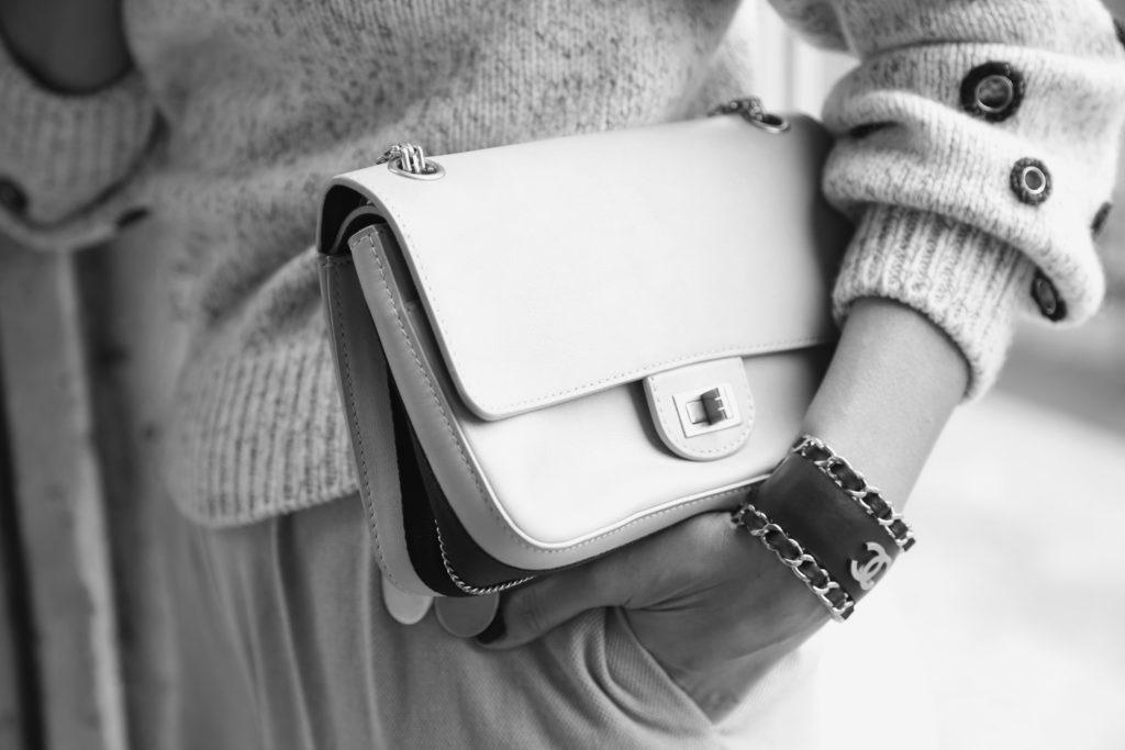 CdMDiary by Caroline de Maigret // Les essentials: accessories. Image via Caroline de Maigret.