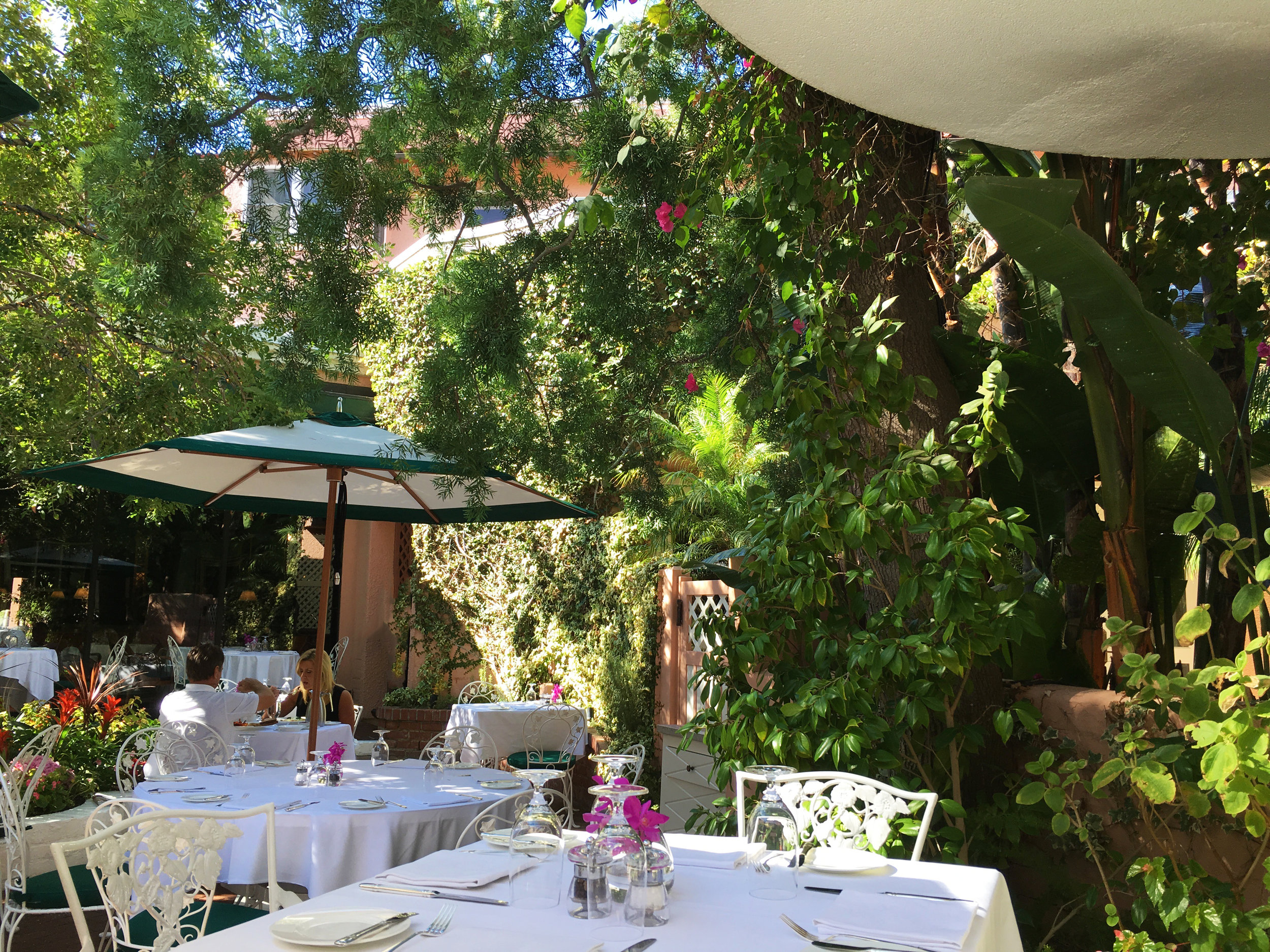 Spend the day lunching and brunching in the Beverly Hills Hotel Polo Lounge garden.