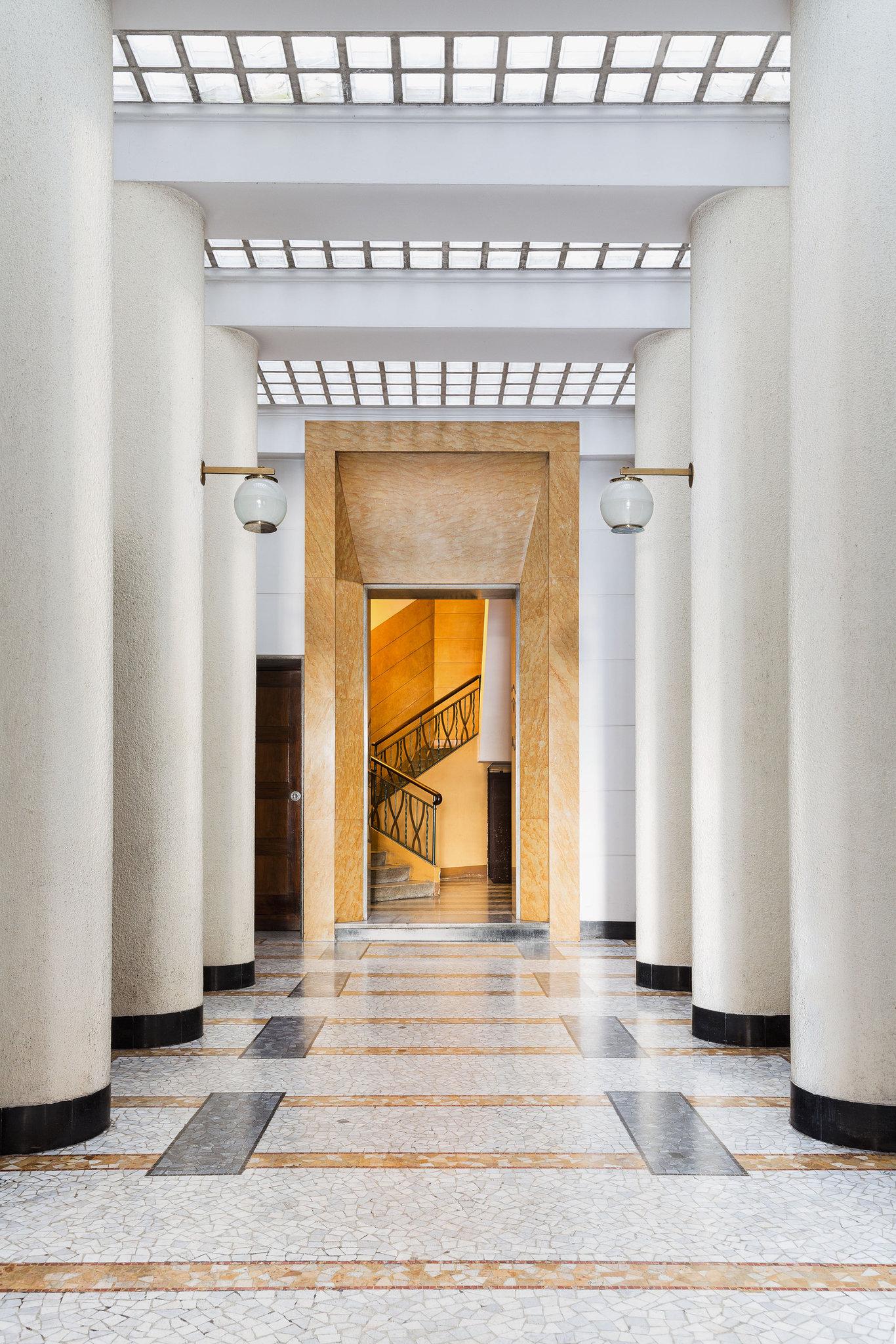 Via Mario Giuriati, 5. Architect: Giovanni Muzio, 1930-31. Floor: Palladiana of Giallo Siena marble and mosaics; Nero di Anzola diorite.// Via  The New York Times .
