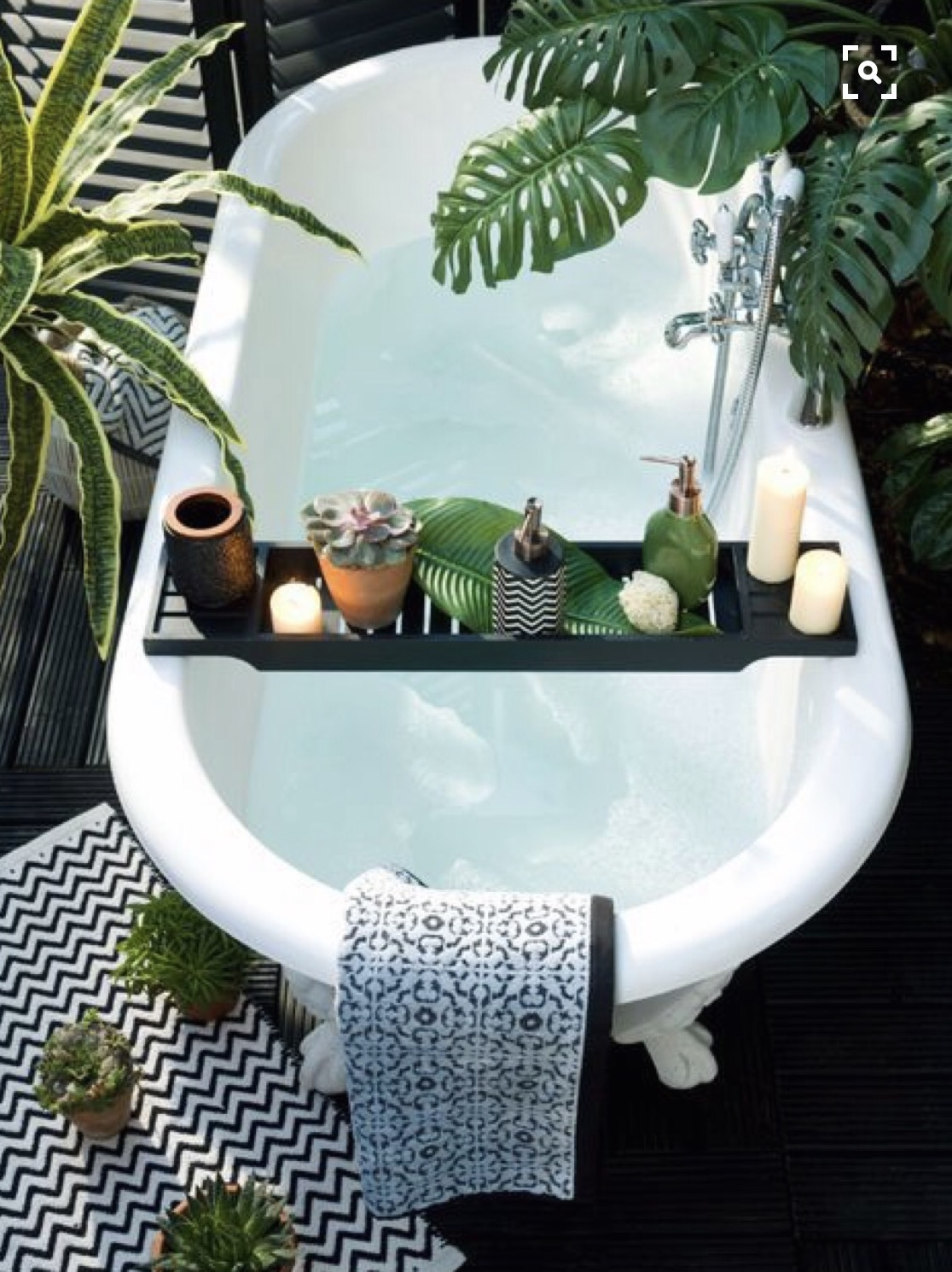 Goddess bathes are a fabulous way to let your mind and body unwind.