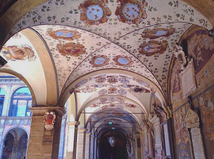 If this is the ceiling at the Archiginnasio,imagine what is inside! Picture yourself studying here, just like the students of the Università di Bologna.