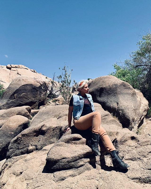 Soak up that sunshine, it's good for ya. Nature has an amazing way of pulling us out of our heads & into the present. #BeHereNow #SpiralEyezYourself . . . . . . #sunshinetherapy #sunshine #behappynow #desertdays #desertdaze #joshuatree #wearableart #oneofakind #customdenim #customclothes #handprintedtextiles #handprinted #printmaking #textiledesign #ootd #explore #spirals #studiomade #losangeles #clothingbrand #customapparel #dowhatyoulove #makeithappen