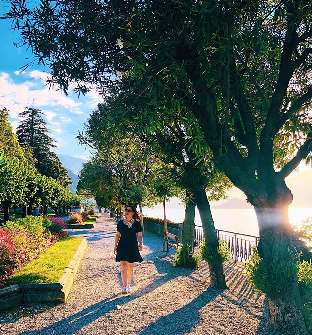 What's so special about the Italian resort town, Bellagio?🌅 Well, it's got crazy gorgeous views of Lake Como. Gelato shops line the winding, hilly streets. And the gardens go on for days.🌸 But more than that, Bellagio offers an ease of life that you can take home with you. And it beats anything you'll find in a souvenir shop.🛍 . . . . . . . . . . . . . . . . #bellagio #italy #lakecomo #visititaly #sidewalkerdaily #darlingescapes #journeyofgirls #passportcollective #babeswhowander #worldnomads #travelwriter #justgo #dametraveller #prettylittletrips #shewhowanders #freelancelife #traveltips #wandermore #travelingsoul #explorewildly #italianfoto