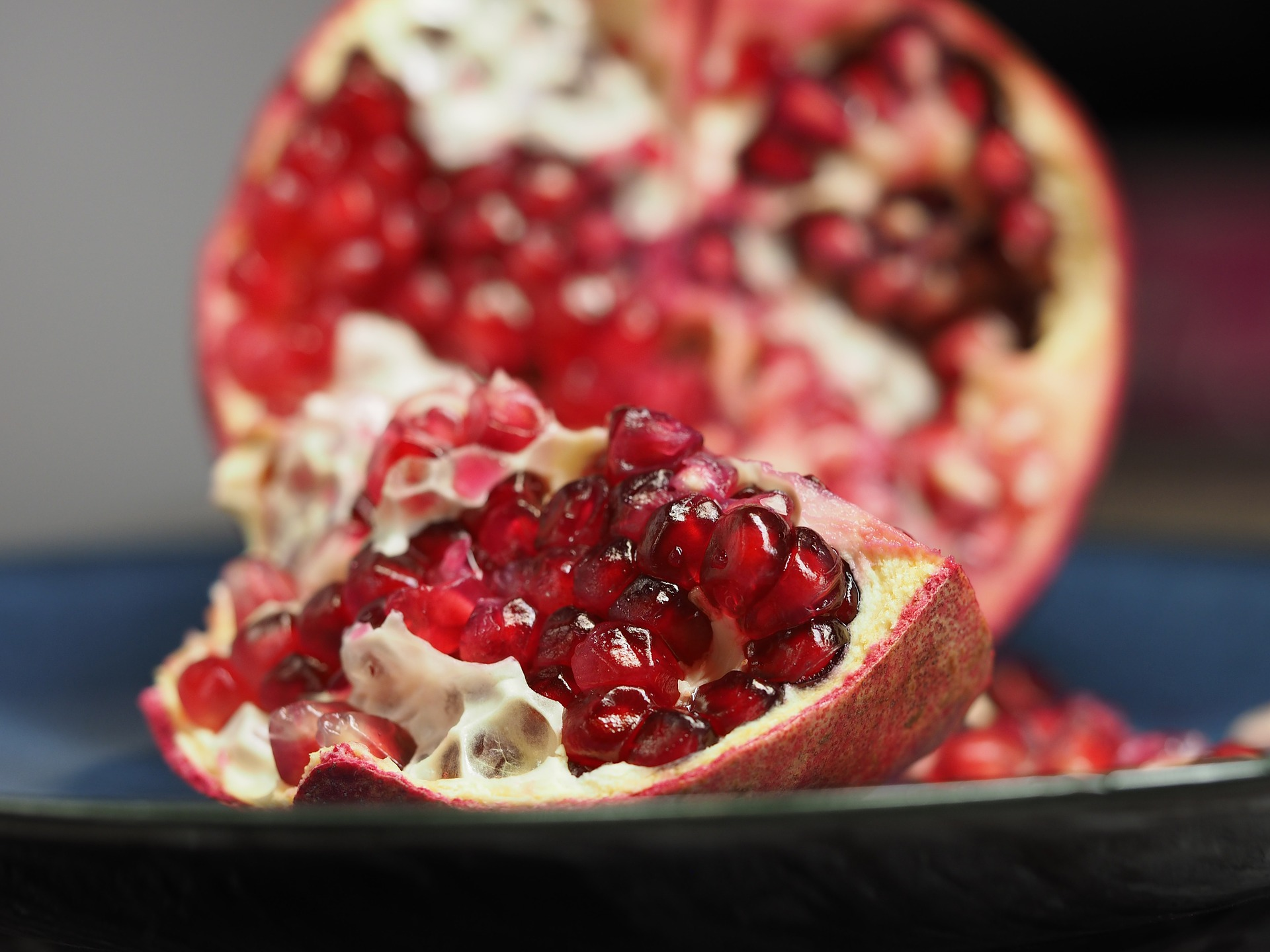 pomegranate-1076657_1920.jpg