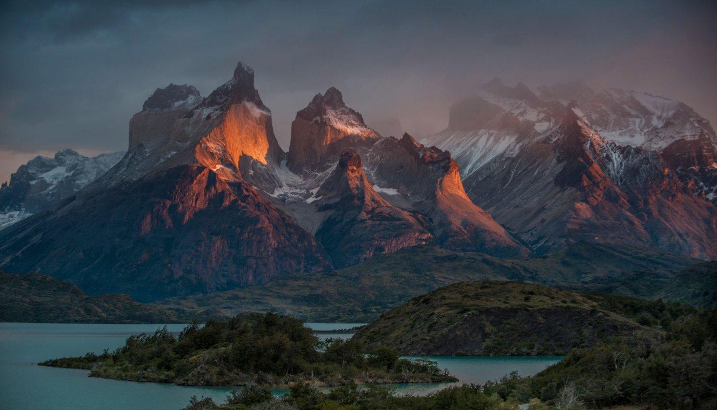 patagonia-at-sunrise_h.jpg