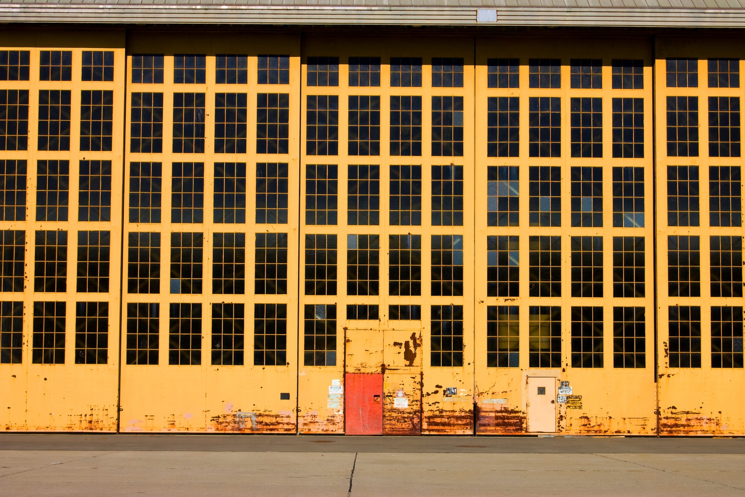 yellow frame windows 18x12-1 - Copy.jpg