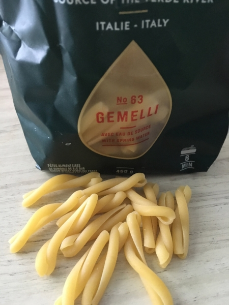Gemelli Pasta with chicken, tomatoes and feta