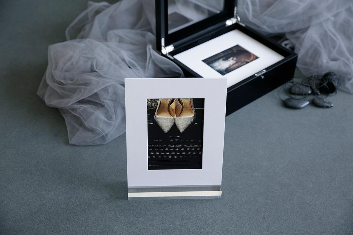 0F5A9091-1200x800 - acrylic mount signature.jpg