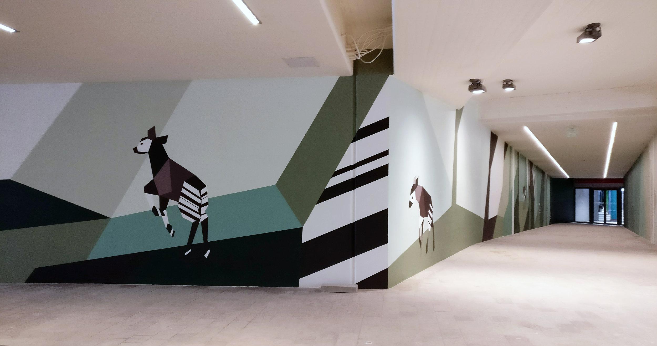 Yksi viimeaikaisia Espoon julkisen taiteen hankkeita on myös länsimetron Niittykummun pysäkin yhteyteen toteutunut, Lotta Mattilan Omilla jaloilla -teos. Lisää teoksesta  täällä .