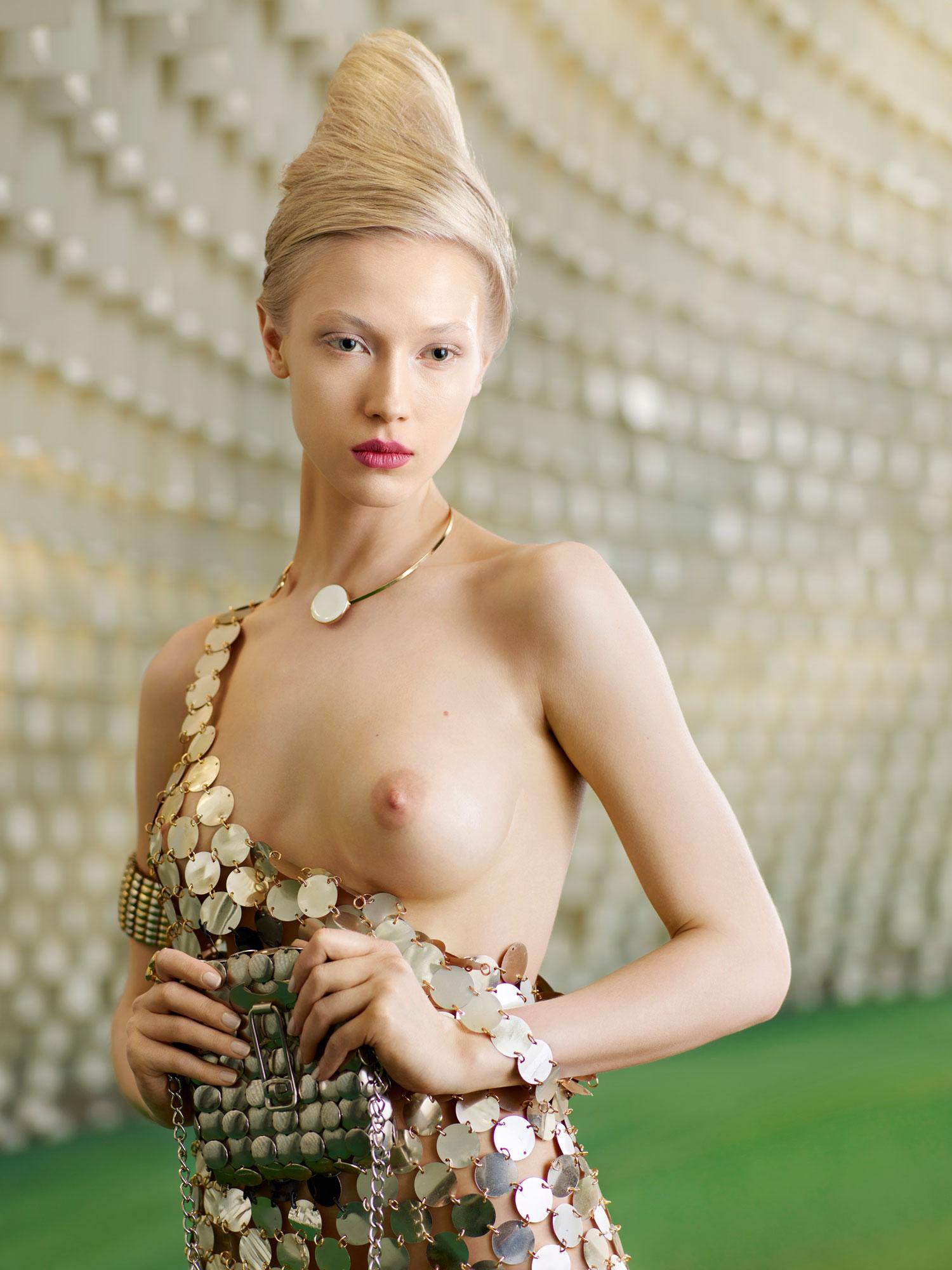Eve 2673, Secret Eden, 2016, photography, 90 x 67,52 cm ©Sacha Goldberger courtesy School Gallery:Olivier Castaing.jpg