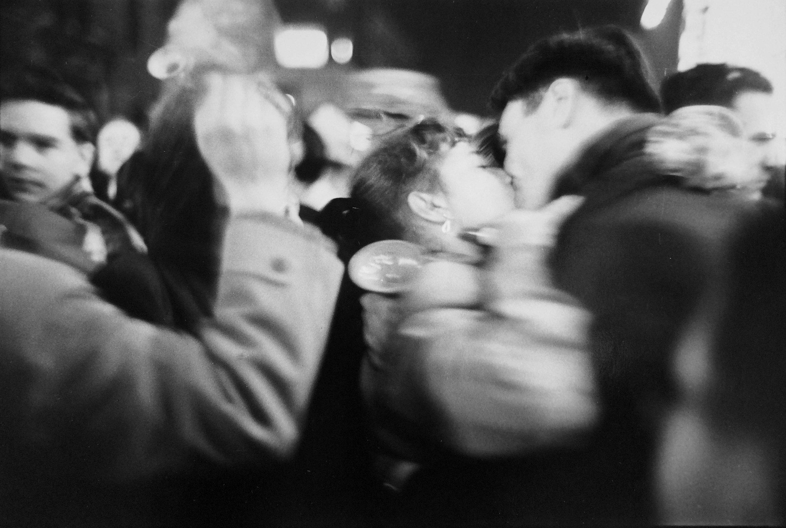 Saul Leiter_Kiss_1952.JPG