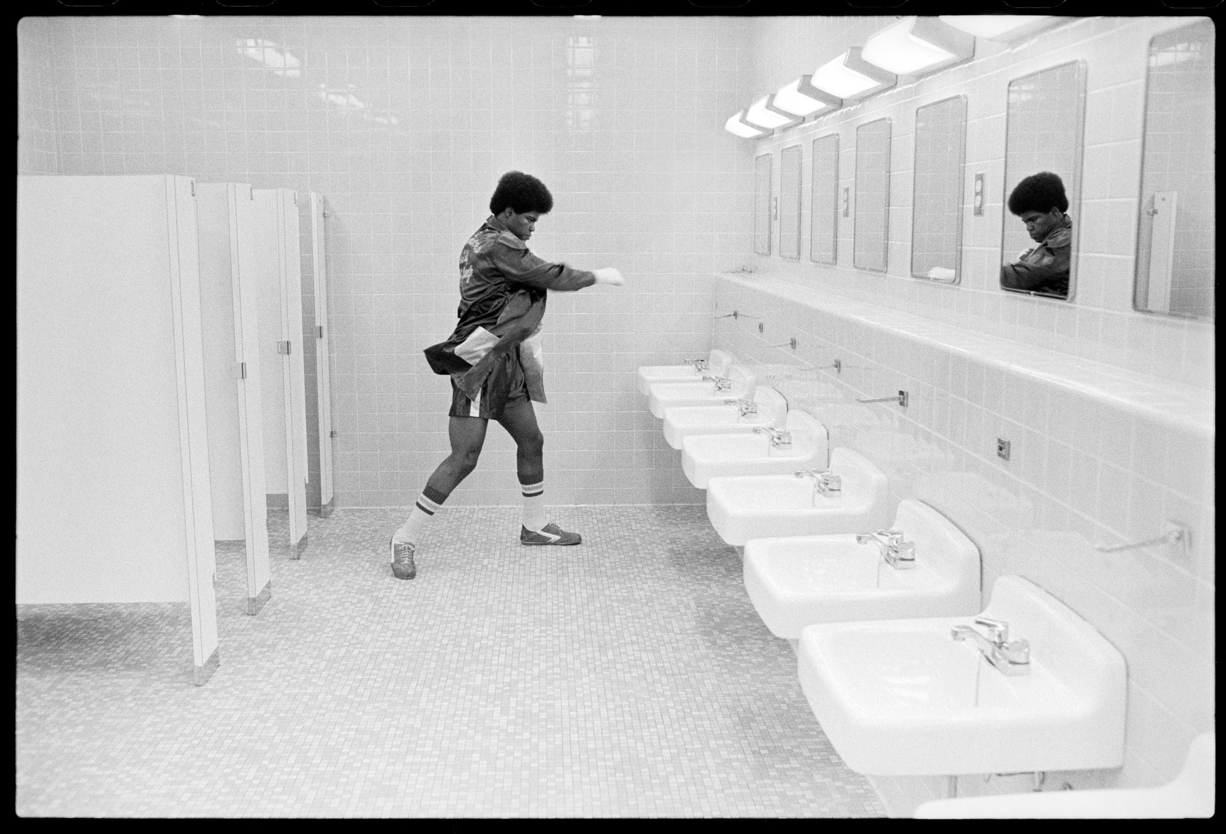 Boxer Bathroom 032576_F9.jpg