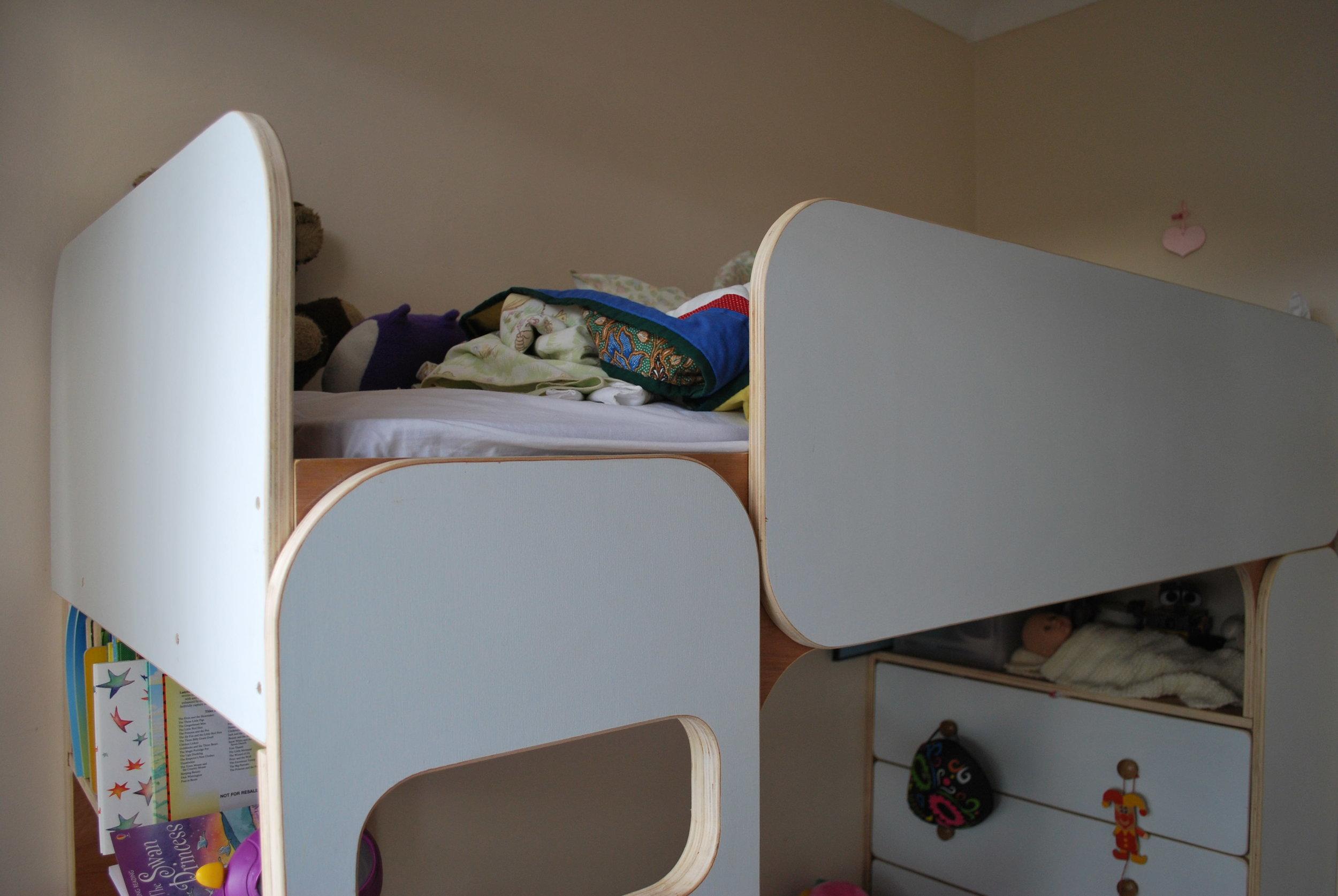 Bespoke bed 1.JPG