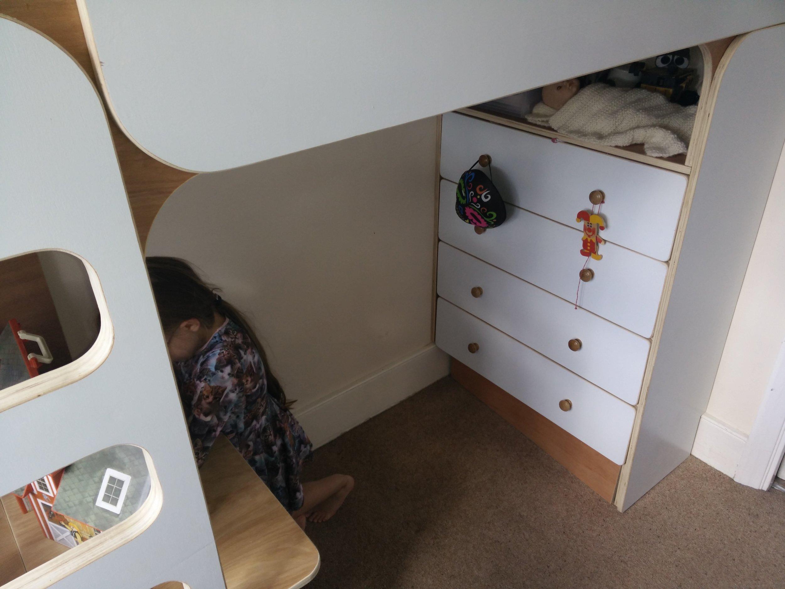 Bespoke bed 4.jpg