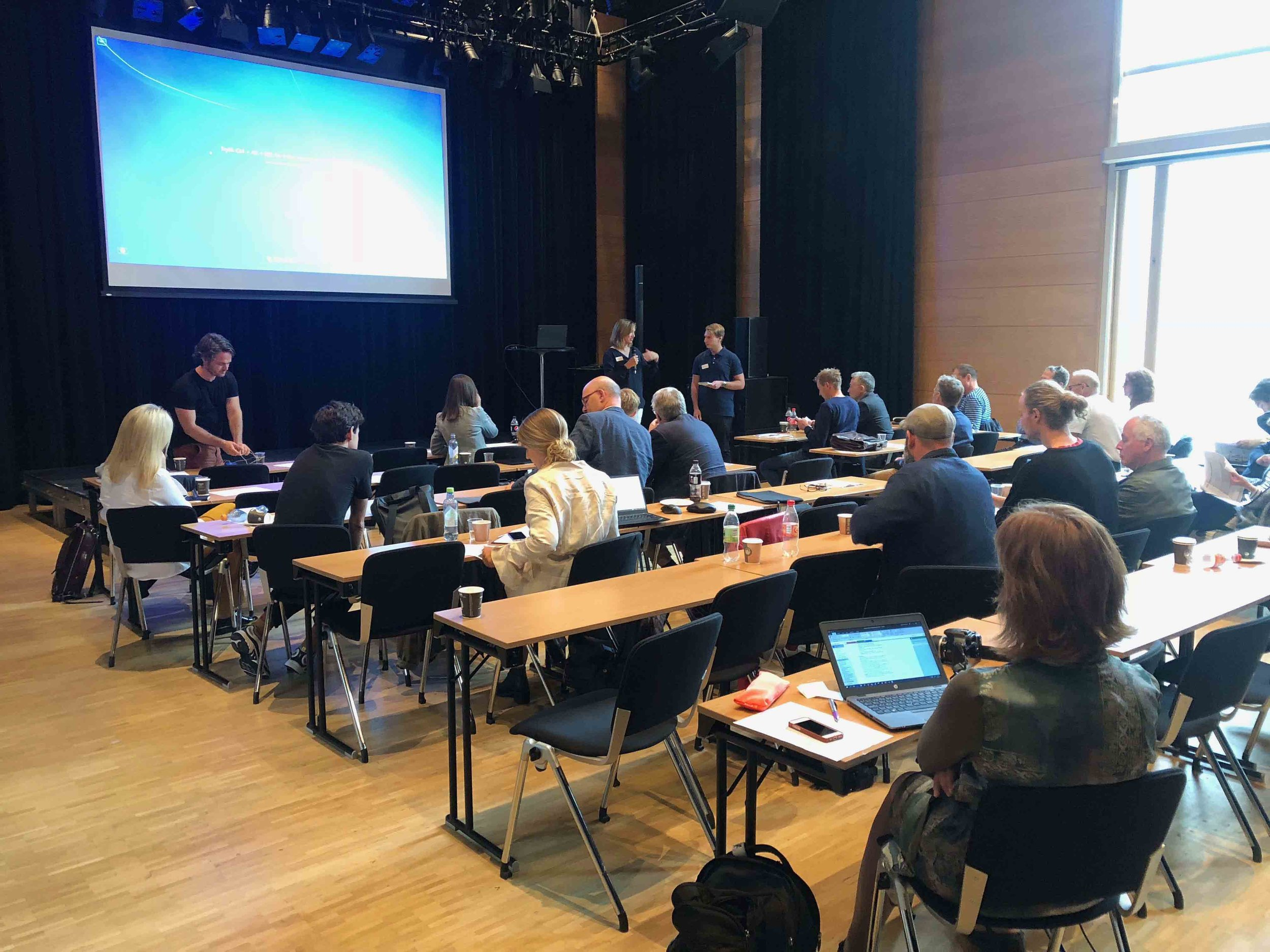 Lørenskog Station Area Commences - 22.08.2018 - Lørenskog Hus, Lørenskog - a formal initiation meeting was set in Lørenskog Hus, so that the selected teams for this parallel commission could meet up with the other teams, and the municipality. With Edit/atelier, Tin got to meet the mayor, local officials, various local and national property developers, public transport enterprises etc.The challenges was equally big as the potentials demanding coherency, going into topics such as flooding, commercial interests, public transport, electricity, winterpark strategy with extensive housing areas etc.