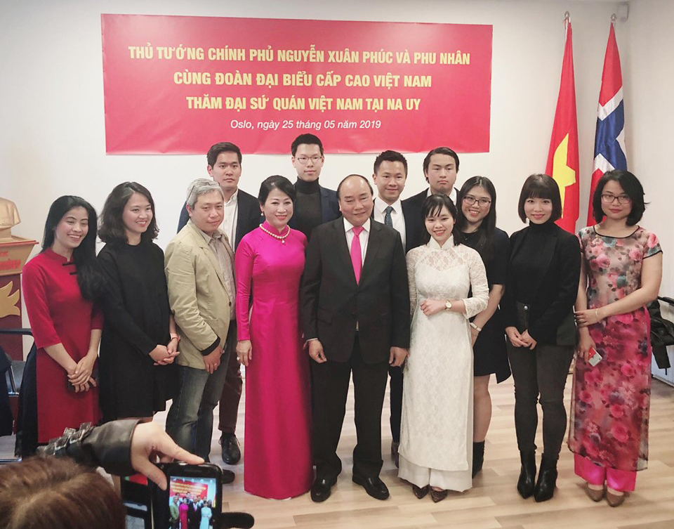 "Tin's stint with the Vietnamese Prime Minister, at the Embassy and on National TV! - 25.05.2019 - The Embassy of Vietnam, Norway - Tin was cordially invited for the meet & greet with the Vietnamese Prime Minister Nguyen Xuan Phuc at the end of his tour in Norway. The event was broadcast on Vietnam's premiere news channel VTV.The goal of this meeting was for the PM to meet the Vietnamese expatriates. He encouraged the expats to continue learning from Norway's scientific and technological knowledge, but not lose sight of Vietnamese culture and language. When Tin was asked by the other attendees at the event if he managed to preserve his cultural heritage and language, he spoke softly: ""to succeed in another country, is also to lose some of our own culture"". Tin was invited among 8 other young students and knowledge workers that had succeeded in Norway. Yet, he was only 1 out of 2 Norwegians of Vietnamese heritage present, among 50-60 attendees including ministers and the PM's entourage. The reasons as to why a Norwegian and non-expat, was invited to an all-exclusive Vietnamese expat event, remains unclear to this day.Other activities during the tour, include meeting His Majesty King Harald V, the Norwegian PM Erna Solberg, the companies Kongsberg Maritime and Pharmaq etc.Read More!"
