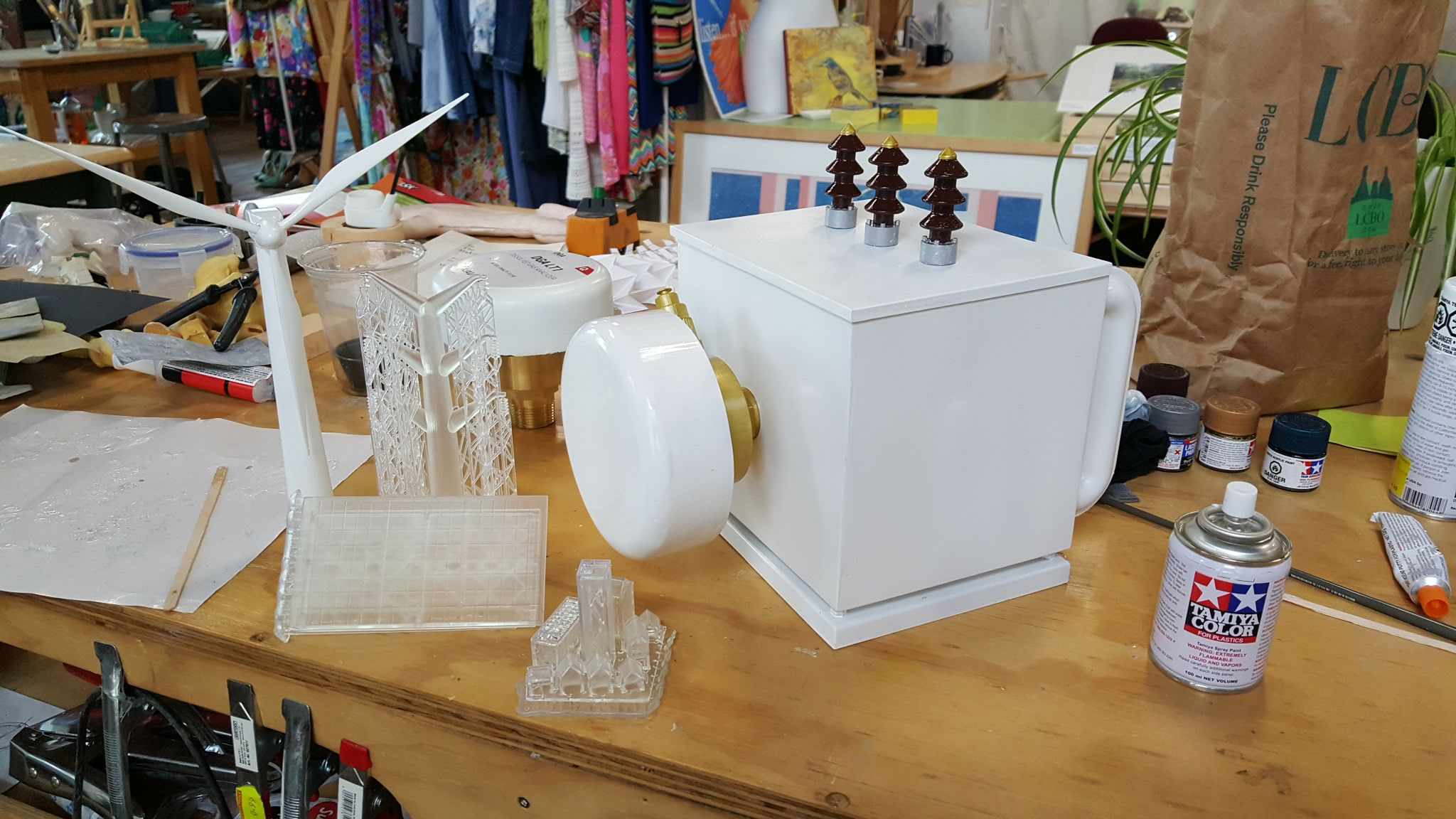 A more or less finished transformer and a wind turbine, plus the raw, fresh from the tank 3D prints. Progress is good!