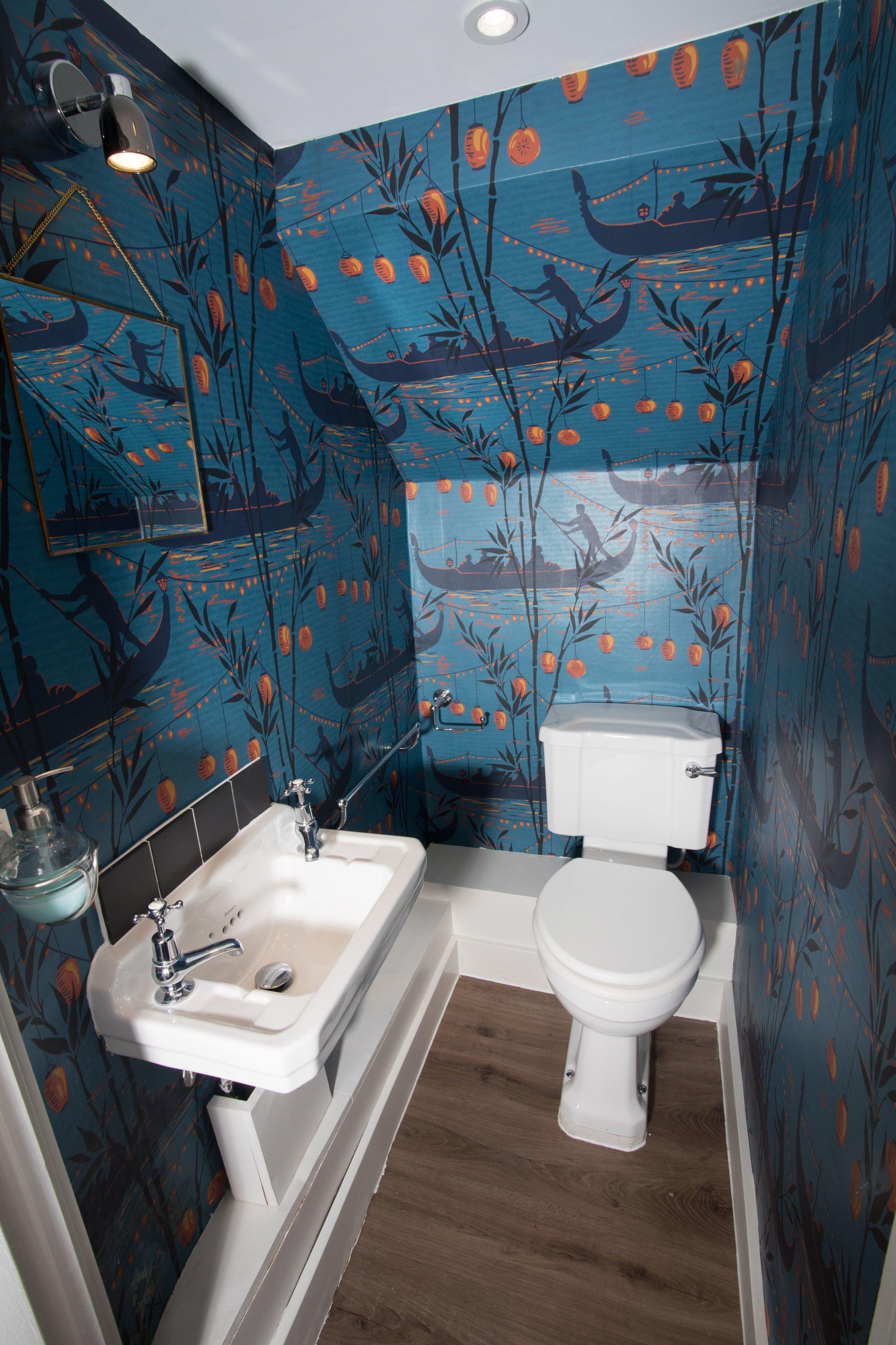 Downstairs toilet 1.jpg