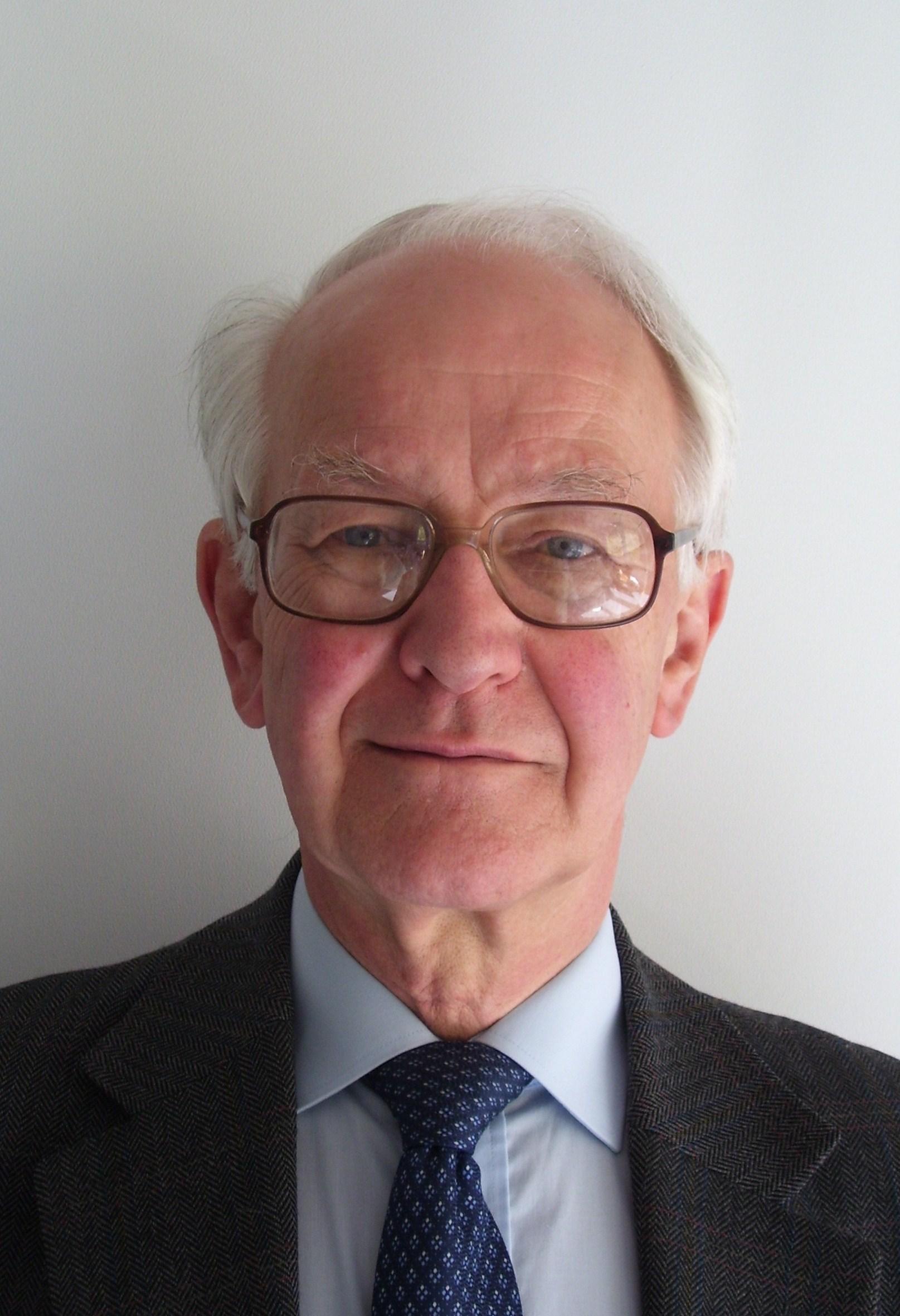 Dr Jim Andrew