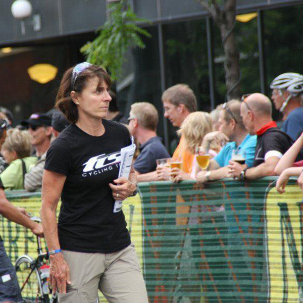 Lisa Hunt stays strong after bike racing and managing a cycling team with Crossfit.