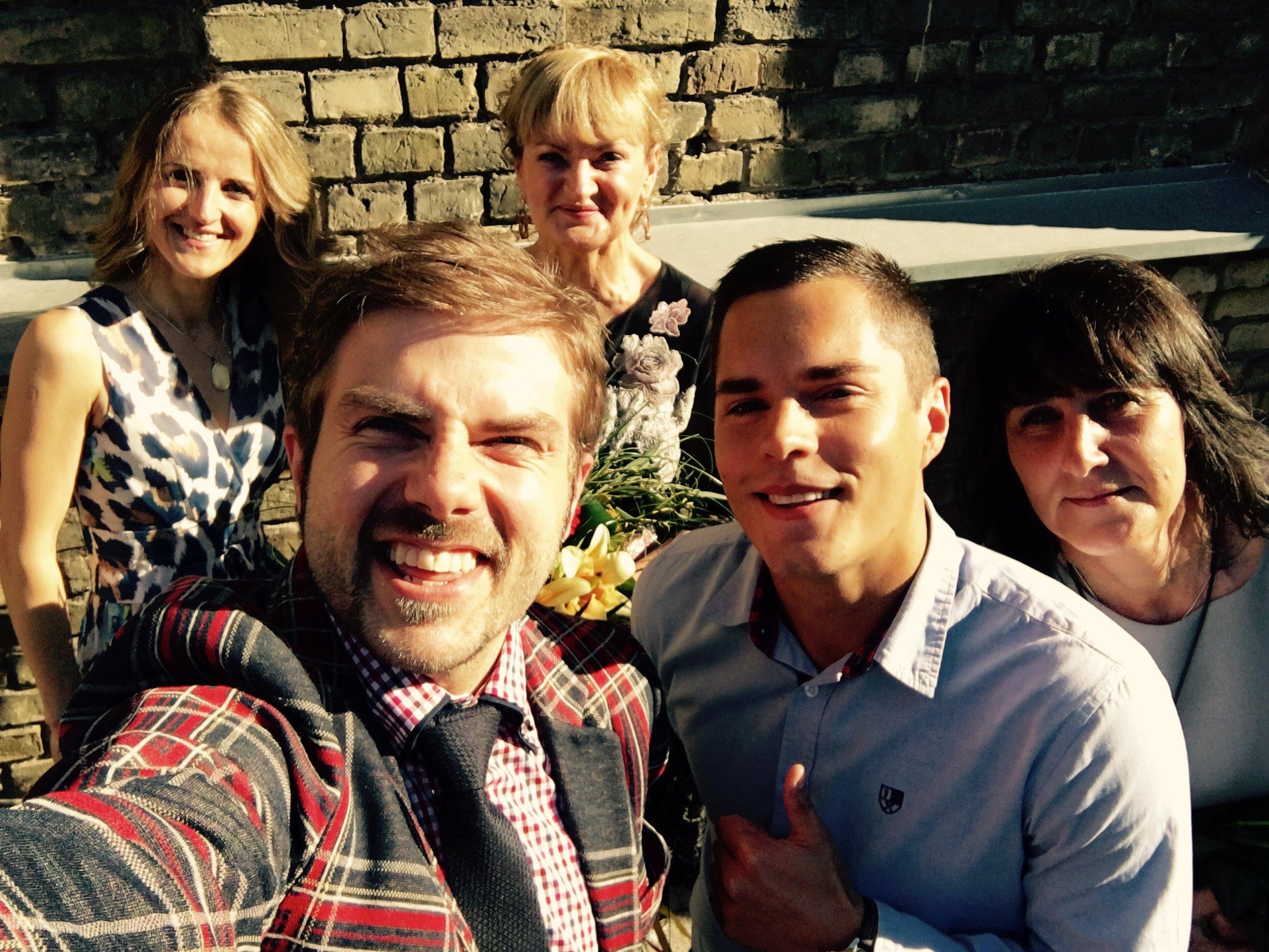 Oskars Kaulēns kopā ar kolēģiem no Ventspils Valsts 1. ģimnāzijas.