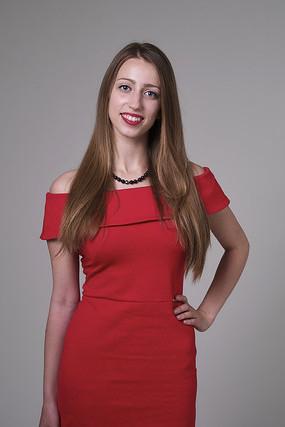 Dagne Galvanovska   Latviešu valodas skolotāja