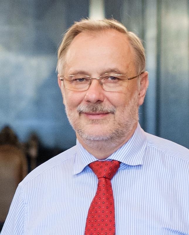 Mārcis Auziņš  Latvijas Universitates profesors