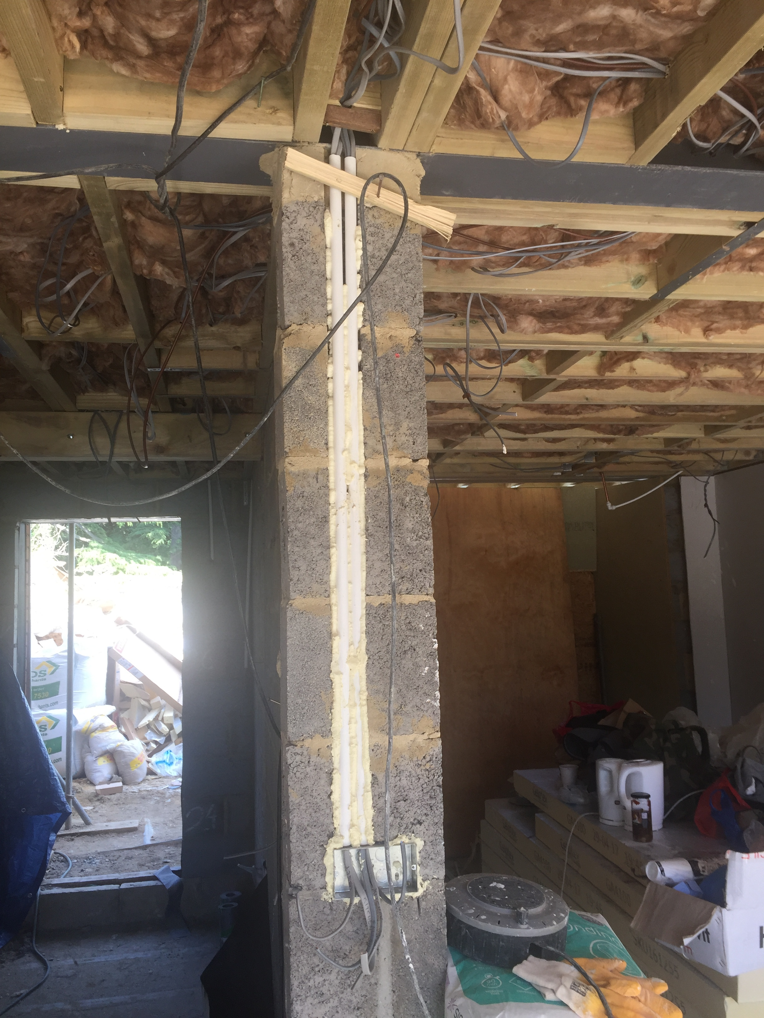 Week 18 - Installation of joints, ceiling, windows, doors, soffits & facia4.JPG
