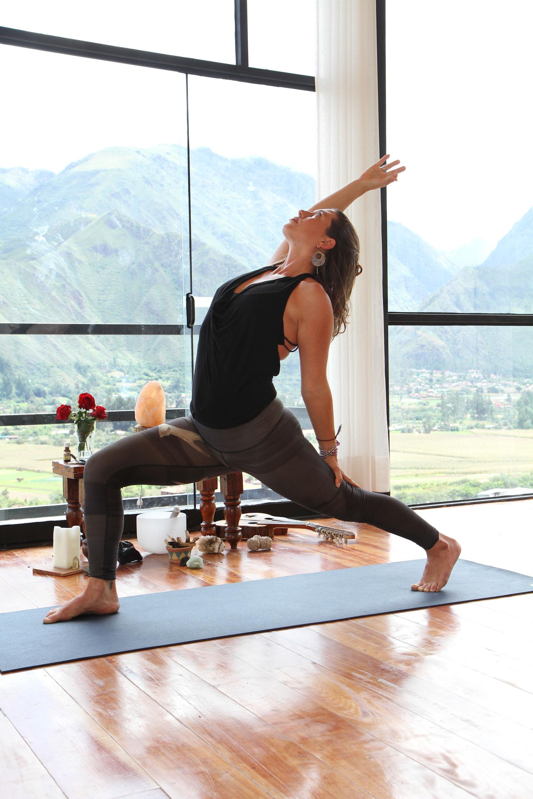 kylie-roswell-yoga-facilitator-2.jpg