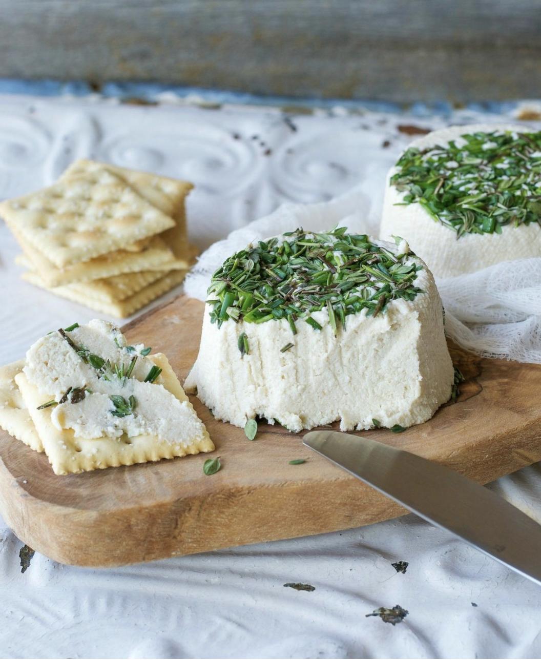 vegan garlic cream cheese