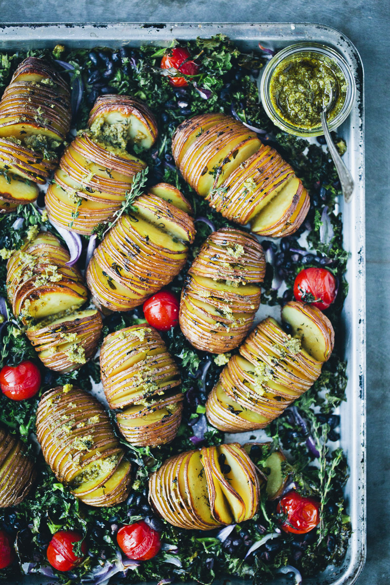 Hasselback_potatoes_4.jpg