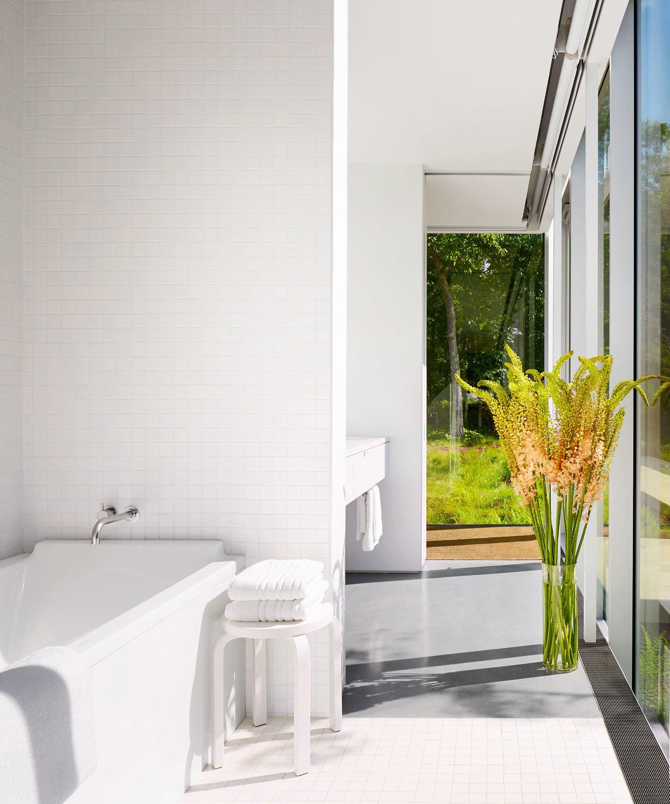 Ghent bathroom.jpg