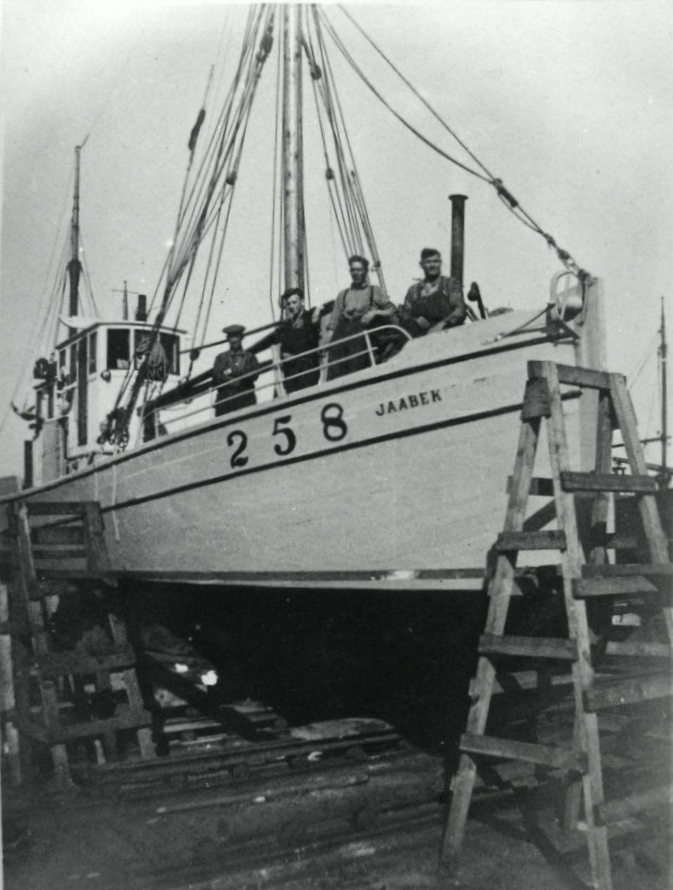 NORWEGIAN JAABEK 258 ON SLIP 1941-45 (7)(36).jpg