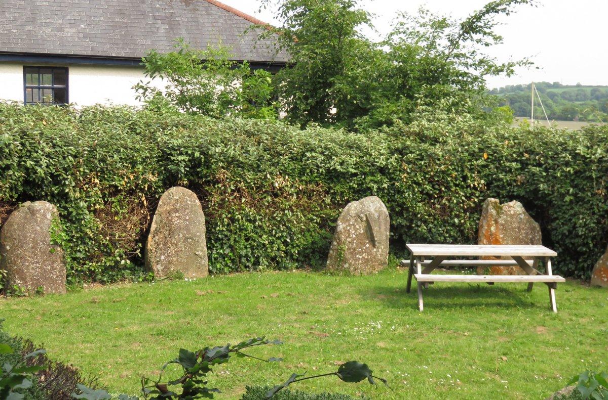 Large stones CROP.jpg