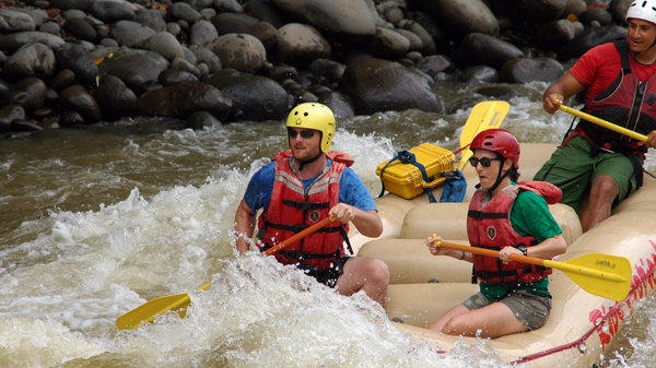 Rafting at the Sarapiquí River. © 2009, Charlie Wilkins.