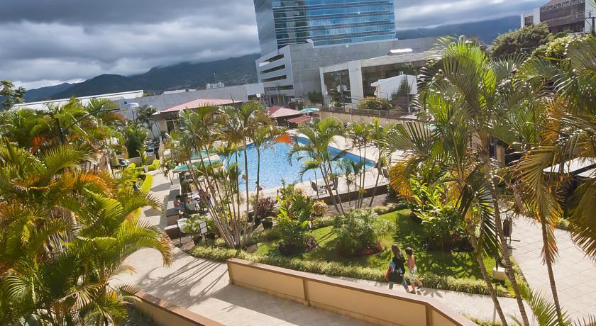 costa-rica-tennis-club-and-hotel-san-jose-image-53aa3ed2e4b0e460525f234f.jpeg