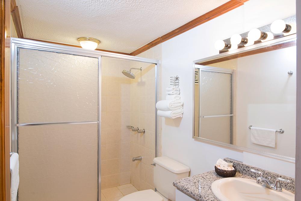 SuiteA-Baño.jpg