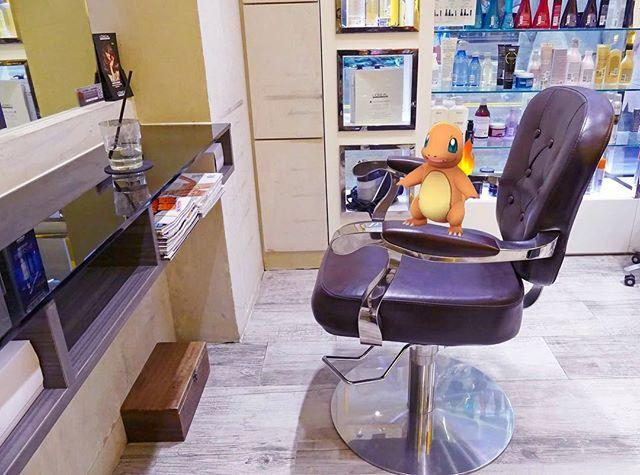 係Salon捕獲小火龍, 但...你有頭髮咩? 8-) Hey Charmander, you sure you want a haircut?🤔 .  #charmander #indahouse #pokemon #pokemongo #hairsalon #hairsalonhk #wanchai #hkstylist #hairstylist #hkhairsalon #hongkong #hkig #haircut #haircare #service #hairtreatment #hair #tagsforlikes  Shop B, 38 Hennessy Rd, Wan Chai 灣仔軒尼斯道38號地下B舖