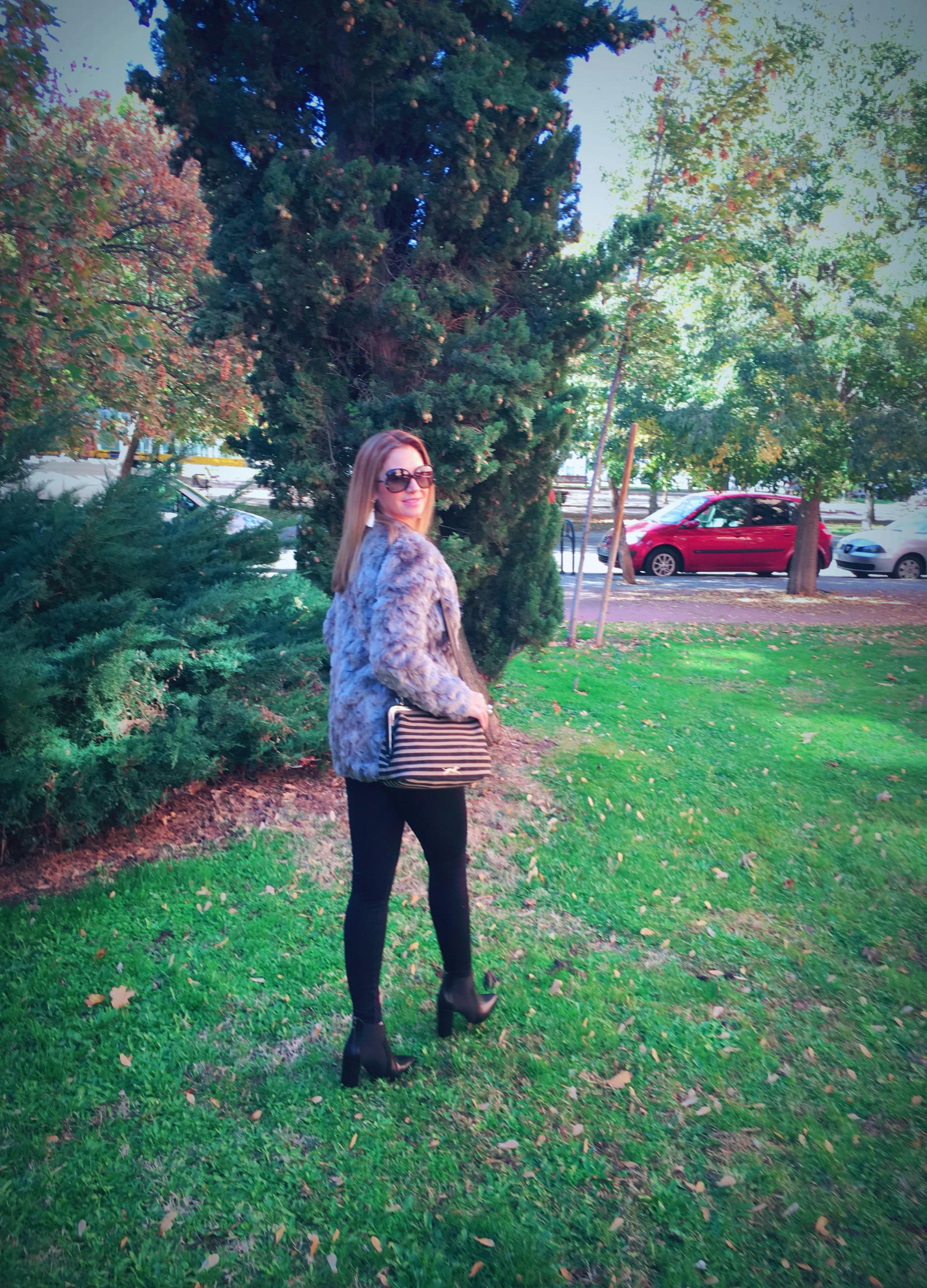 fur coat and ZARA leggings