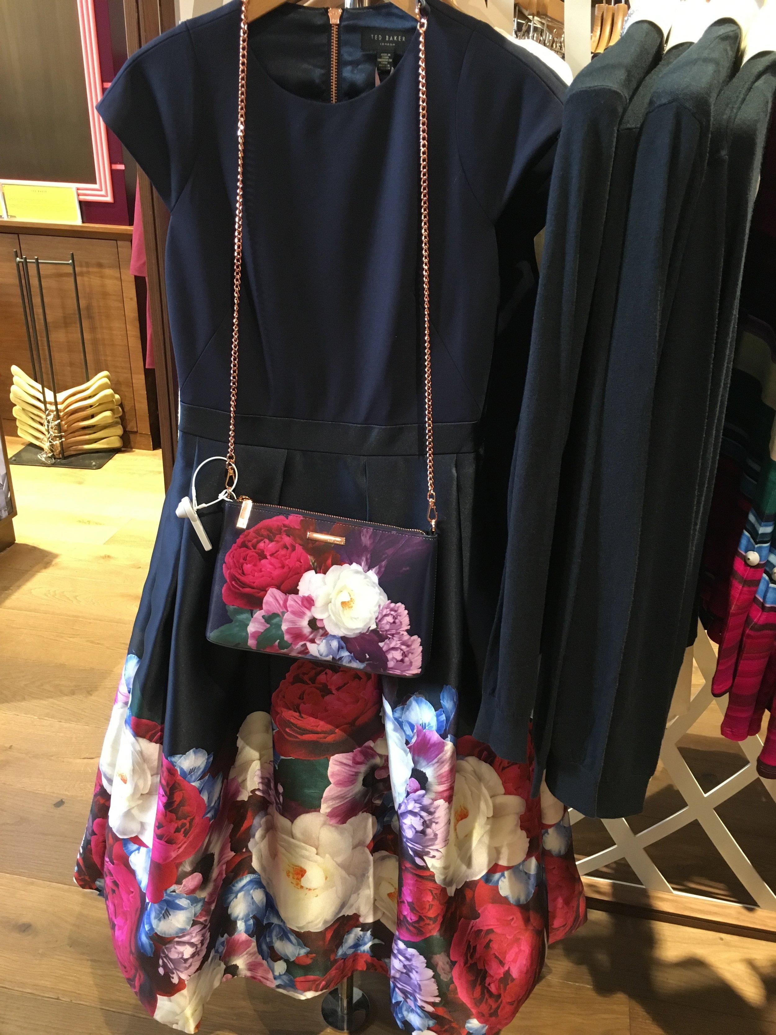 Dress & Bag: So cute!/ Vestido a juego con bolso: Ideal, no os parece?
