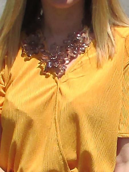 details-necklace
