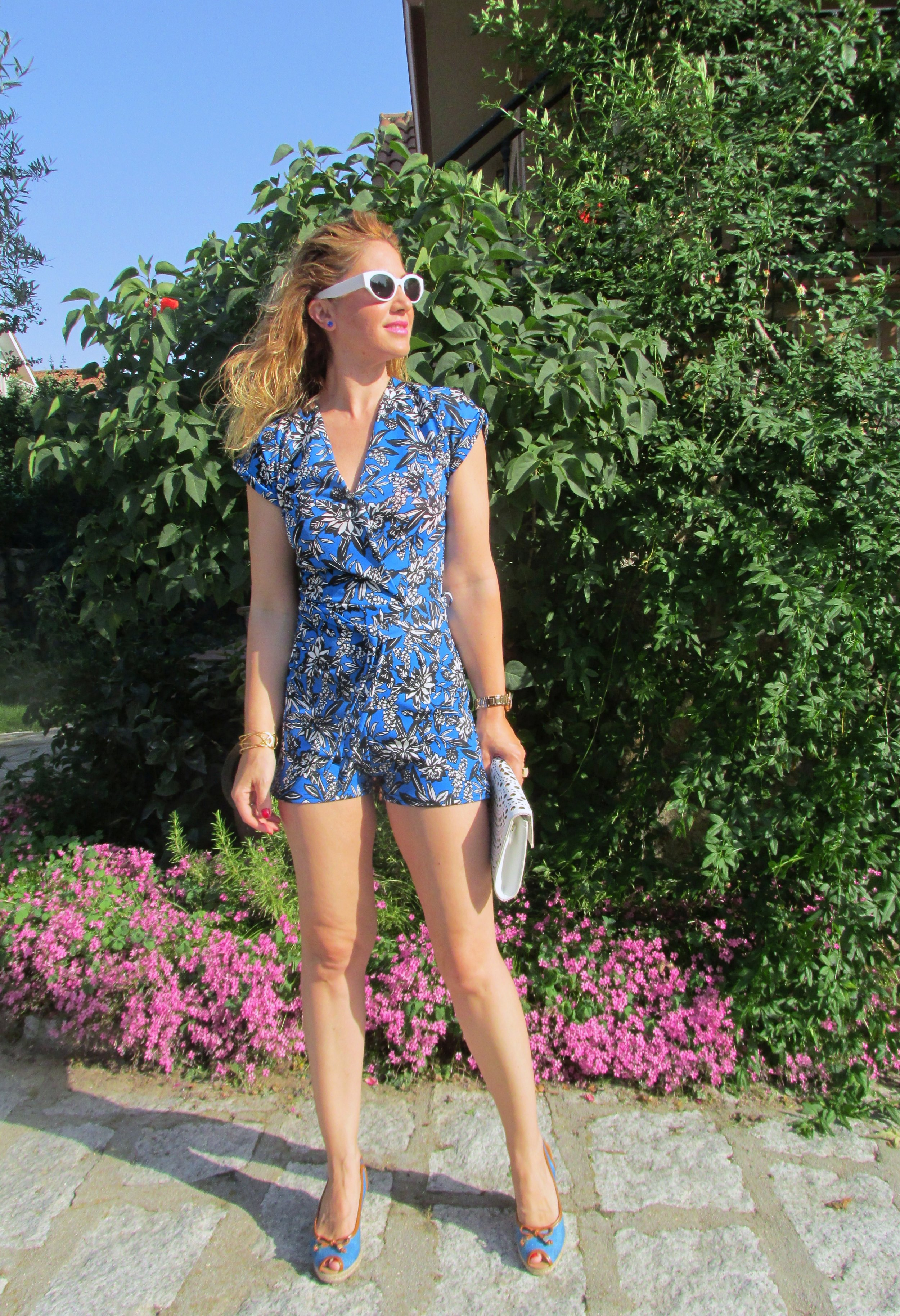 OUTFIT DETAILS: Jumpsuit: Bought in Helsinki, similar  here ; Wedges: CABRERA; Sunnies: ZARA (S/S '18); Bracelet: VIDAL & VIDAL;