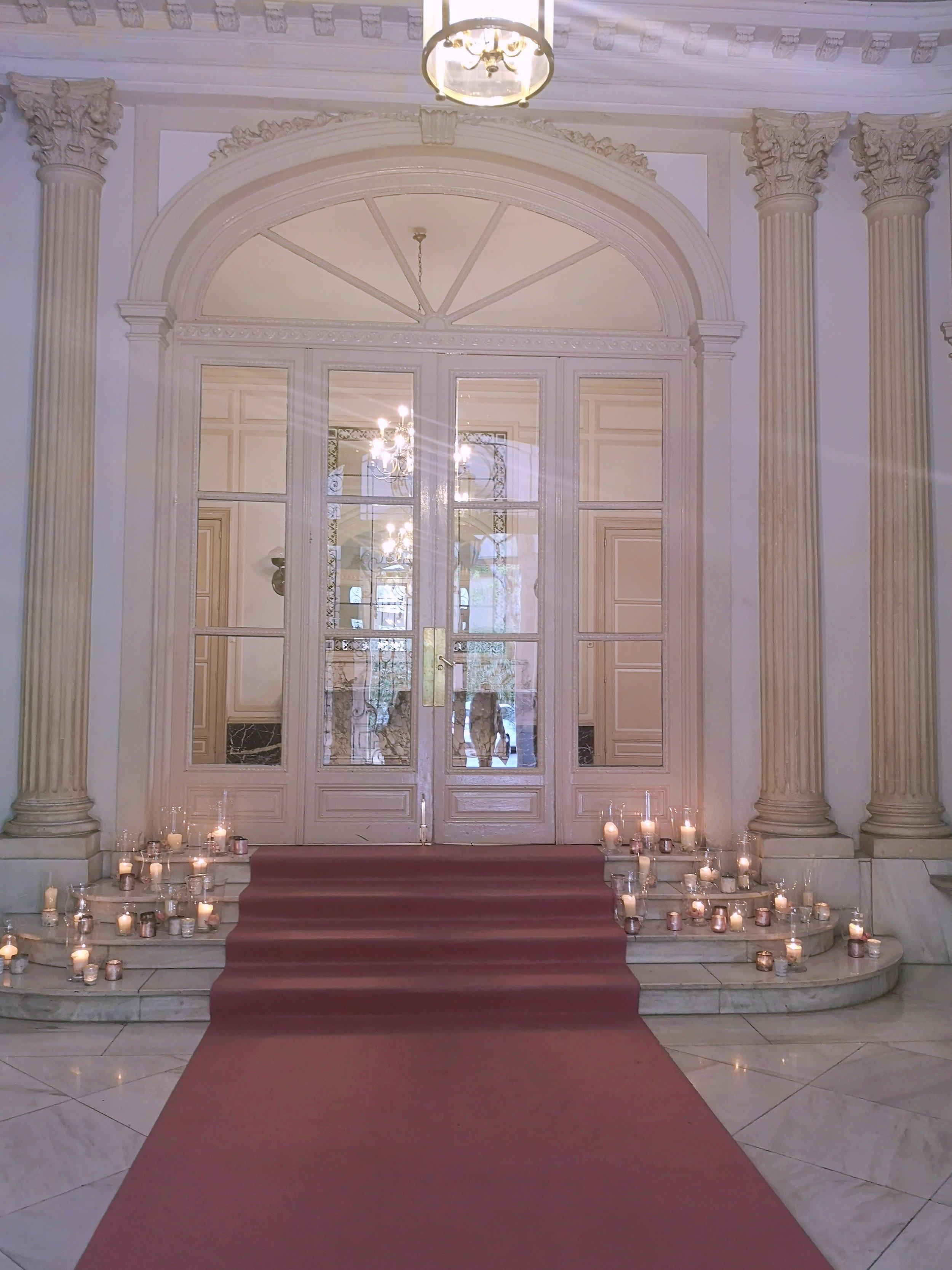 Esta era la entrada al Consulado, elegancia y belleza…. todo junto.
